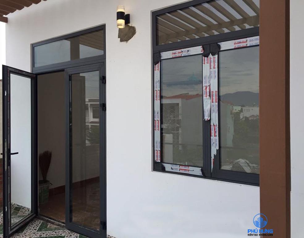 Mẫu cửa nhôm Xingfa 2 cánh mở quay, cửa nhôm Xingfa chính hãng