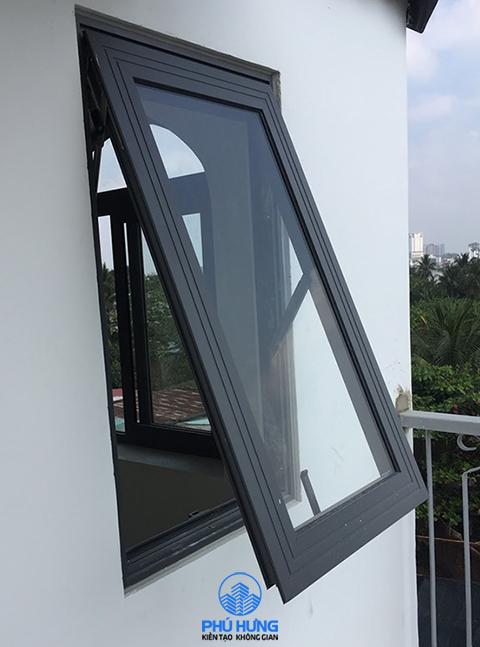 Cửa sổ mở hất nhôm Xingfa 1 cánh màu đen